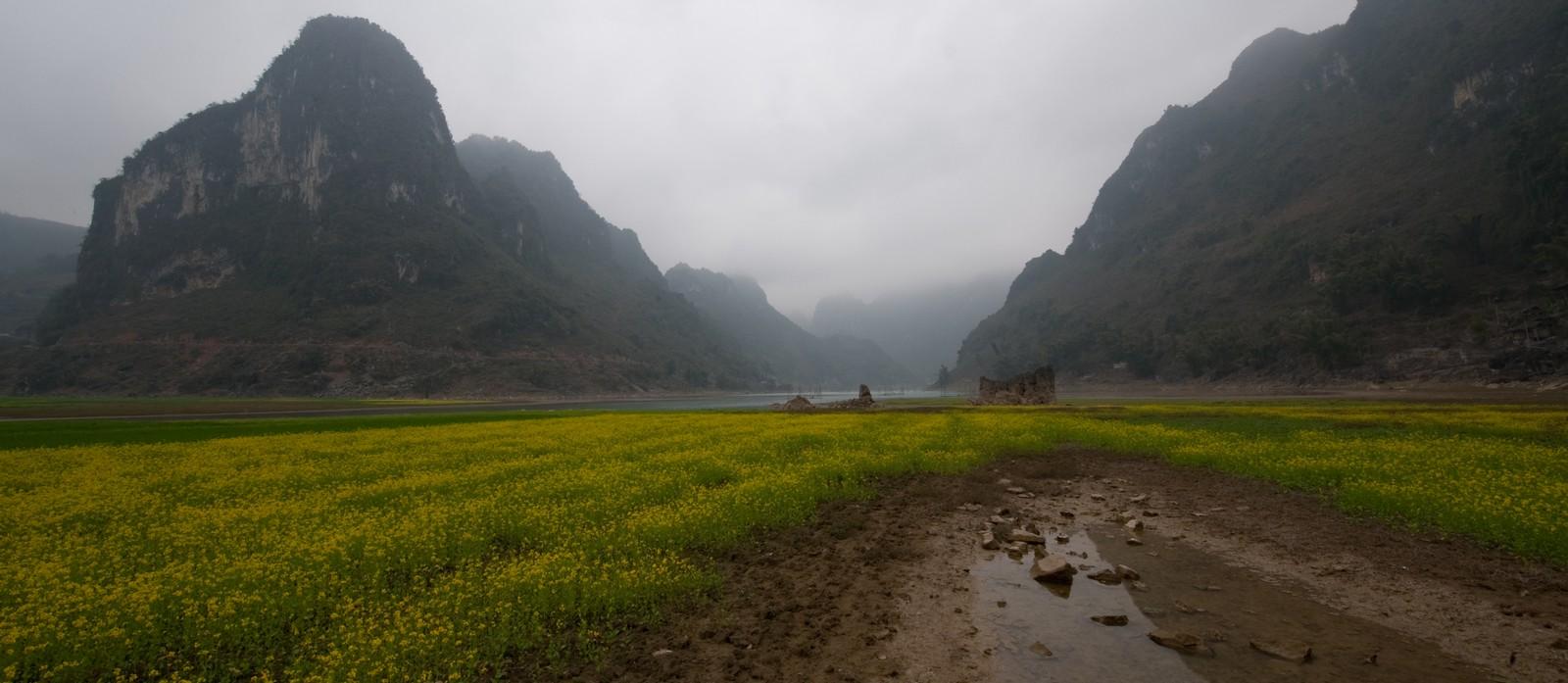 Il polje di Jinya si allaga durante la stagione umida (foto Marco Zambelli)