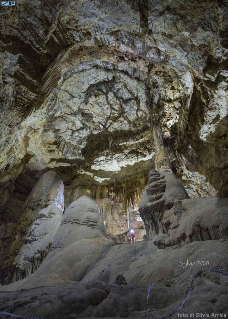 80_4_cave_photo_03